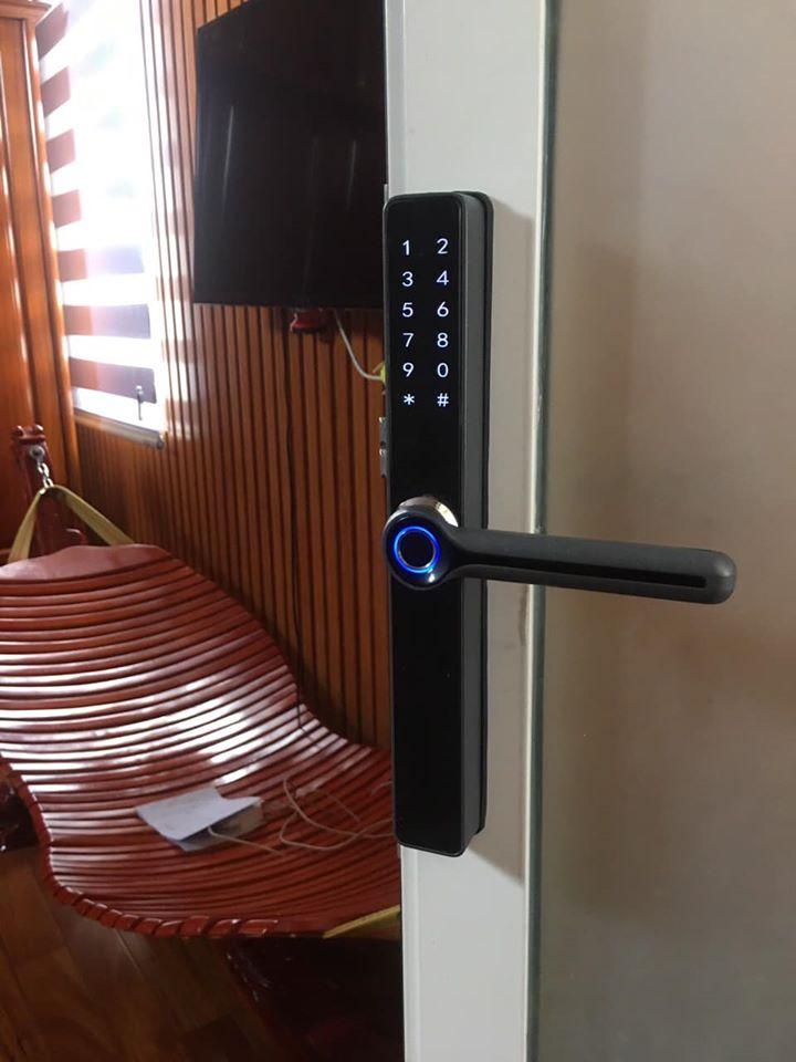 Thực hư thiết bị khóa cửa nhôm vân tay có an toàn không?-1